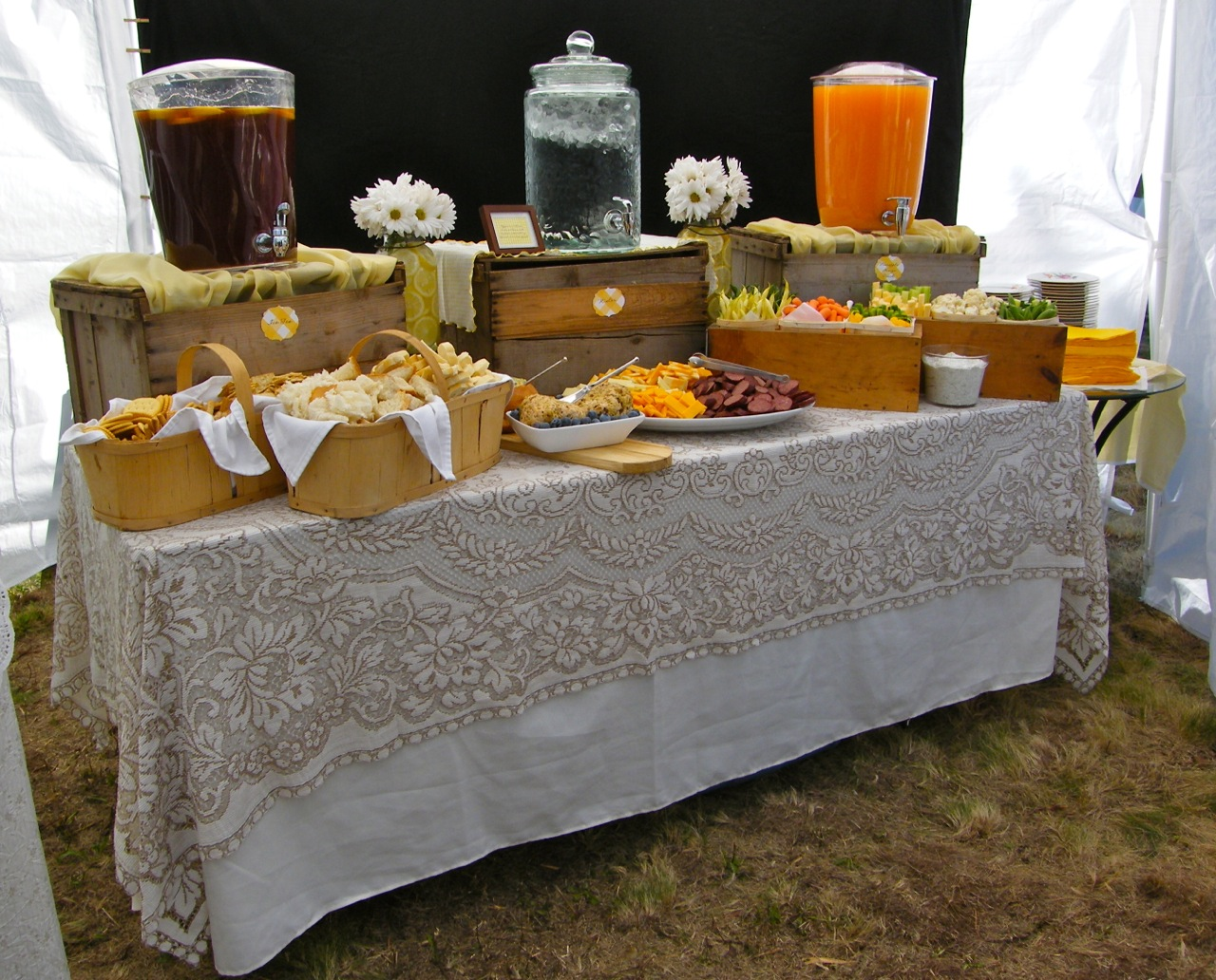 Rustic Buffet Table Setting Virginia Fynes Catering Fynes Designs