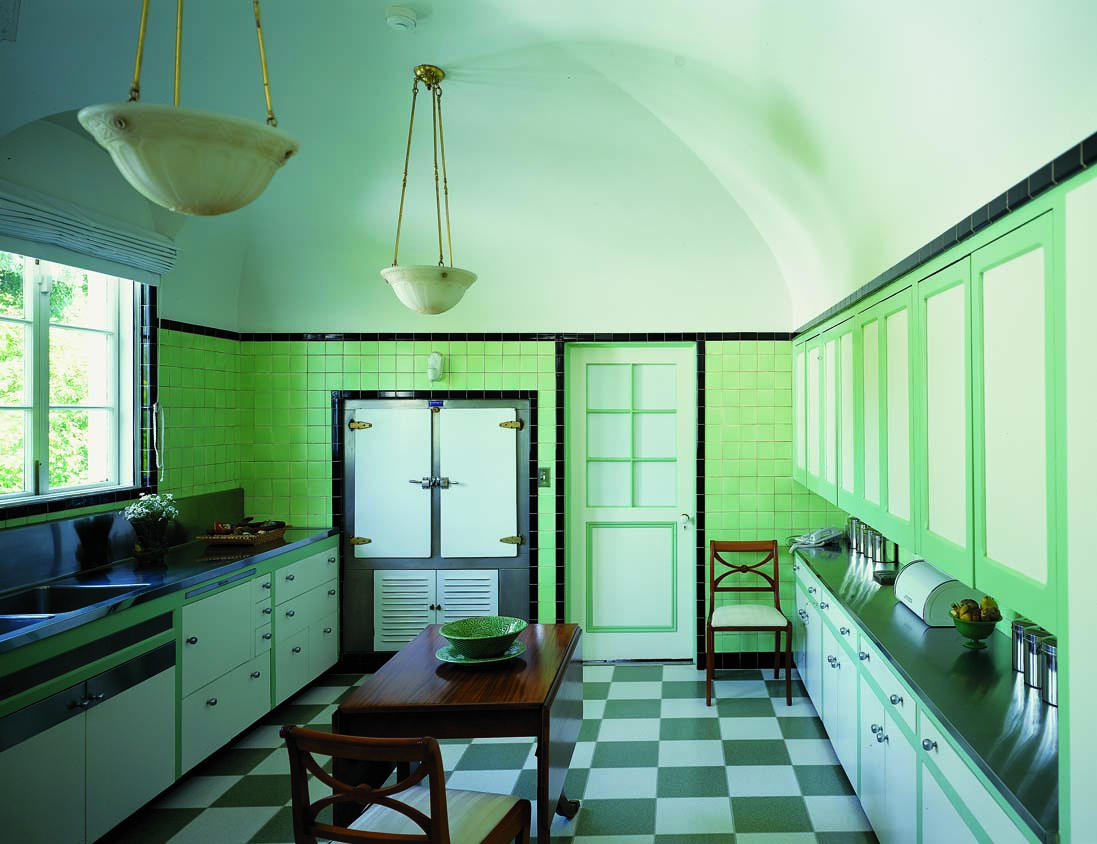 Should Kitchen Cabinets Go Up To Ceiling Kitchen Cabinet Revolution Old House Journal Magazine