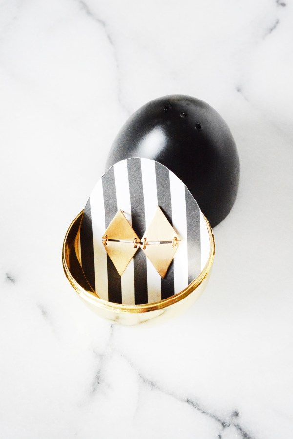 black and gold eggs 6