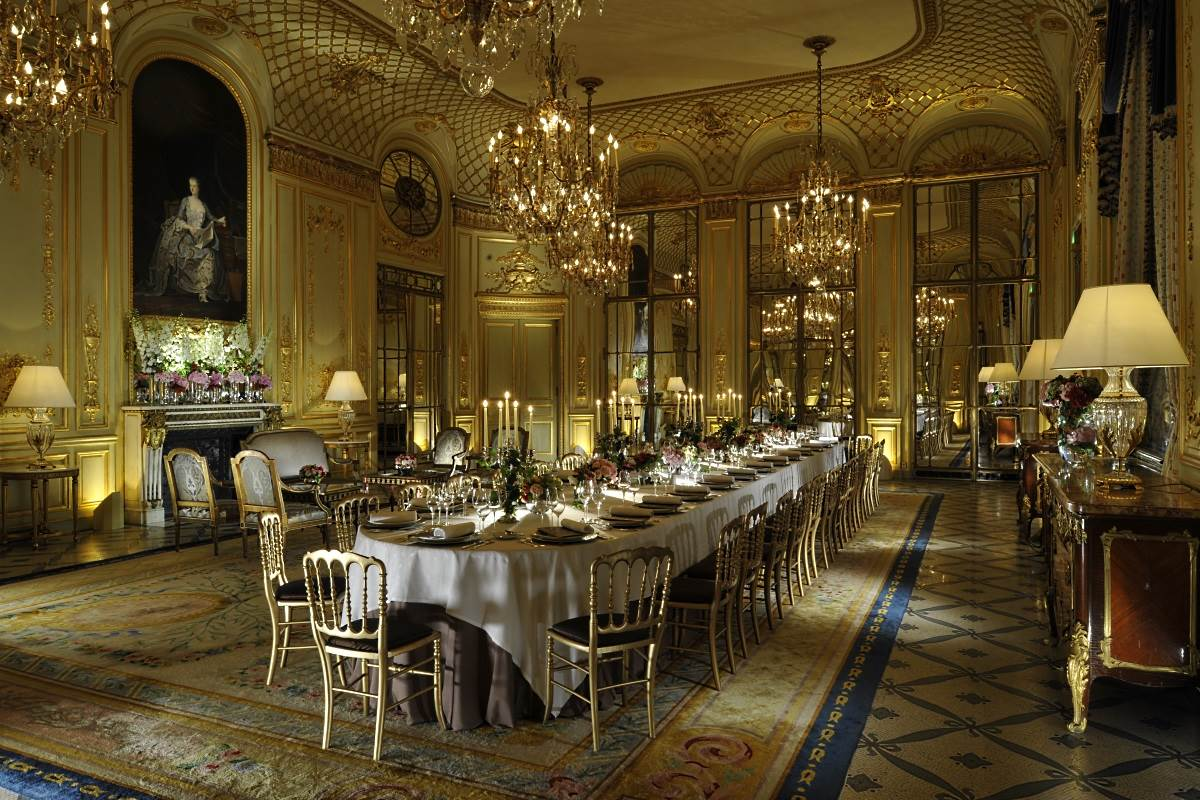 Le Salon Le Meurice Paris Luxury Hotel In Paris France