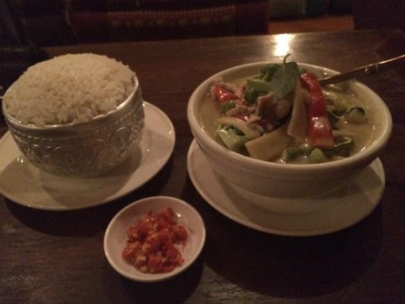 Patee Thai - Thai green curry w chicken.