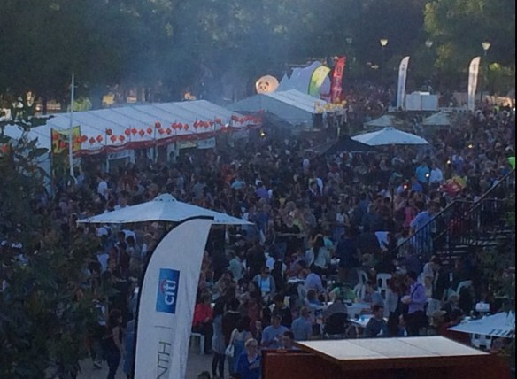 Night Noodle Market 2014 (Melbourne) - Lots o' people