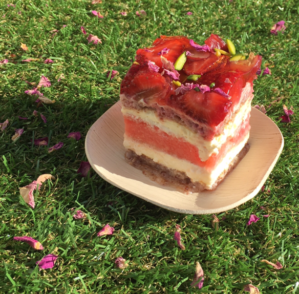 Melbourne Night Noodle Market 2015 - Black star pastry x N2 gelato - Stawberry and watermelon cake