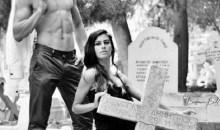 Σοκ: Βεβήλωσαν τάφους Ελληνοκυπρίων – Η αποτρόπαια φωτογράφιση μοντέλων από την Τουρκία (photos)