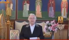 Γιαγιά δίνει οδηγίες ήθους στην εκκλησία και τρελαίνειτο Διαδίκτυο!