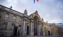 Αγανακτησμένος ιδιοκτήτης θεάτρου έριξε το αυτοκίνητο του στο προεδρικό Μέγαρο της Γαλλίας