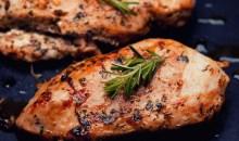 Μάθε πως να φτιάχνεις ζουμερό στήθος κοτόπουλου