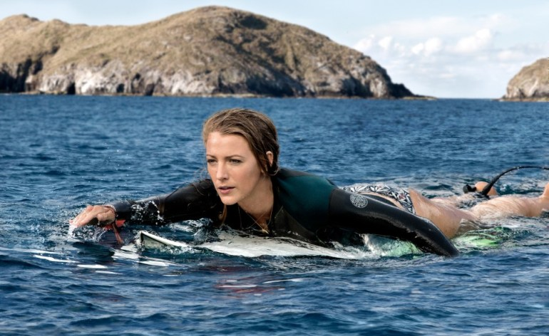 the-shallows-blake-lively-surfing-960x640