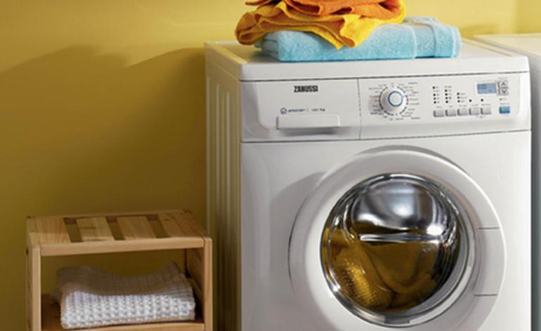 zanussi-washing-machine-zwf16581w