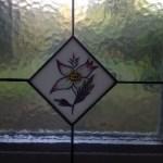 üvegre festett virág