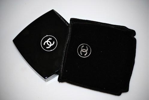 CHANEL Seduction compact & pouch