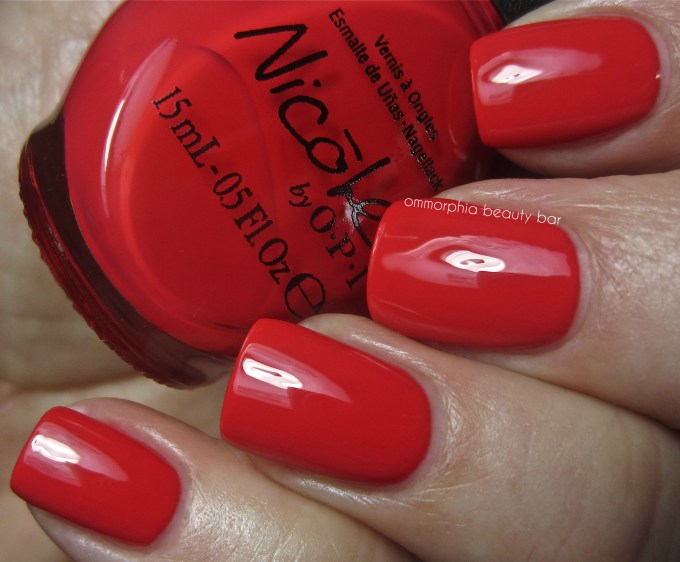 NOPI Please Red-cycle swatch