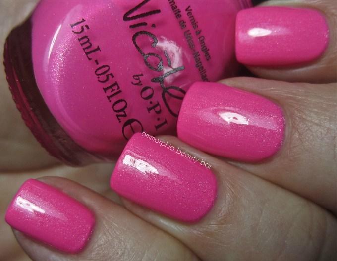 NOPI Still into Pink & tc swatch