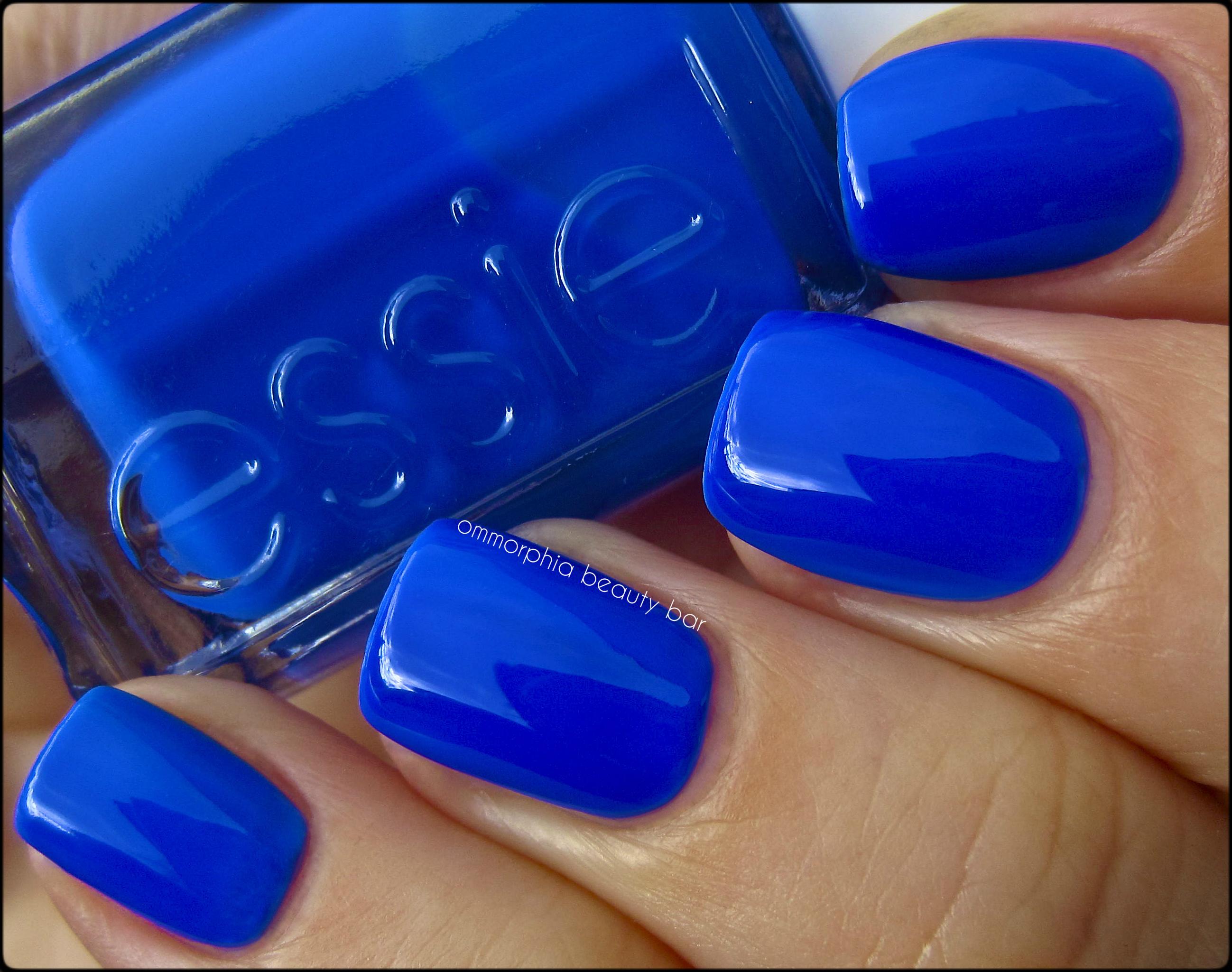 Синий лак ногти