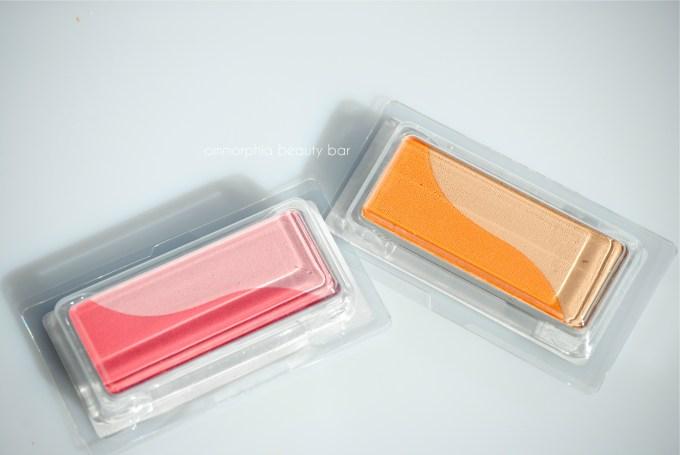 shu uemura Duo-Color Cheeks packaged