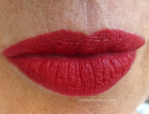 Illamasqua Maneater swatch 2