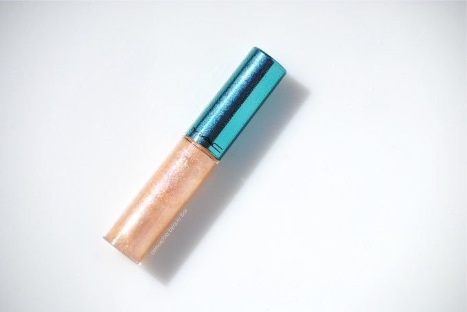 MAC Clear Water Lipglass closer