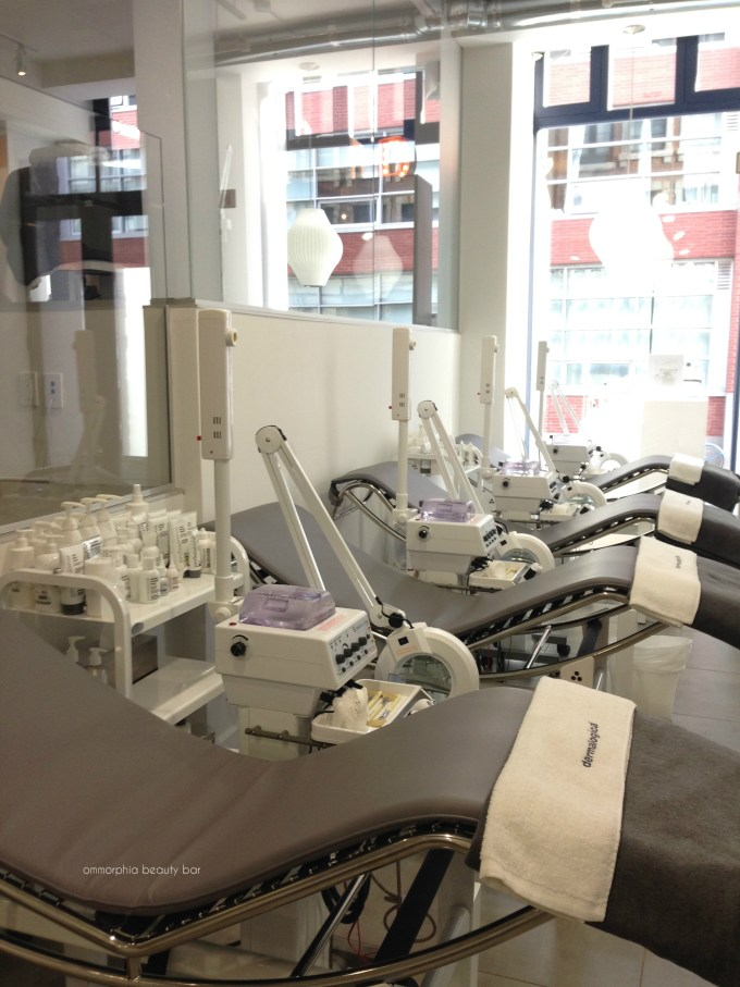 Dermalogica event chairs