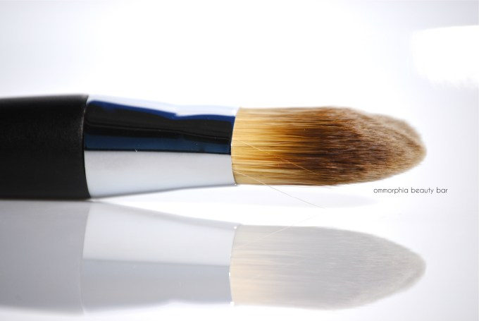 Dior Light Coverage Foundation Brush side