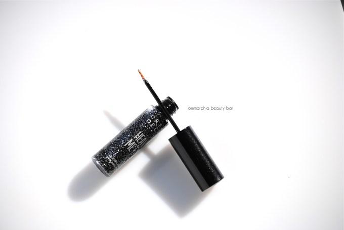 UD Gunmetal Heavy Metal Glitter Eyeliner open 2