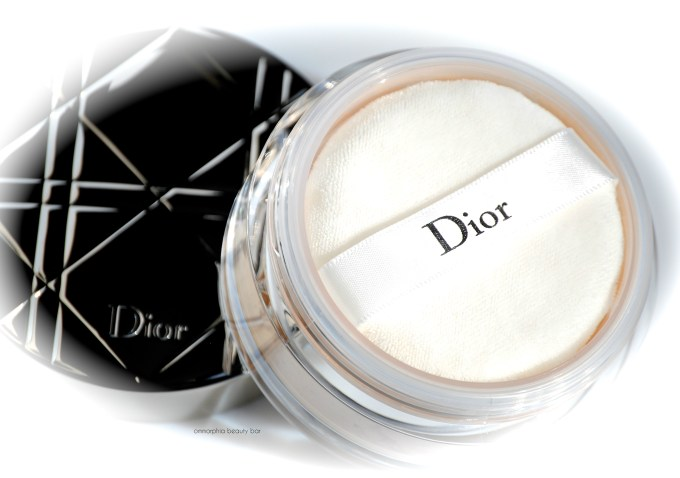 Dior Nude Air Loose Powder open macro