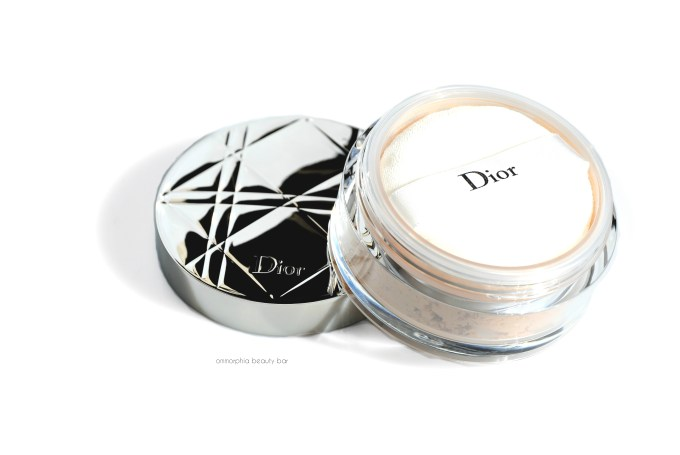 Dior Nude Air Loose Powder open