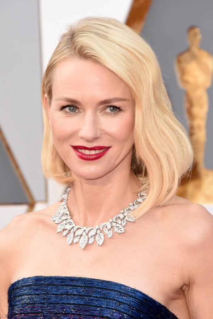 Naomi-Watts-Oscars-2016-Red-Carpet-Beauty-Vogue-28Feb16-Getty_b