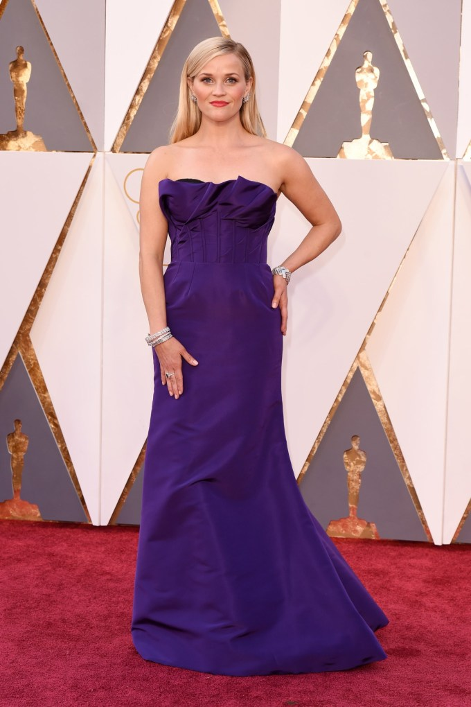Reese-Witherspoon-Oscars-2016-Red-Carpet-Vogue-28Feb16-Rex_b