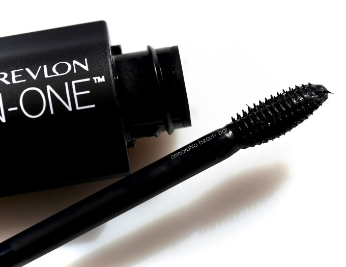 Revlon Ultimate All in One Mascara brush head