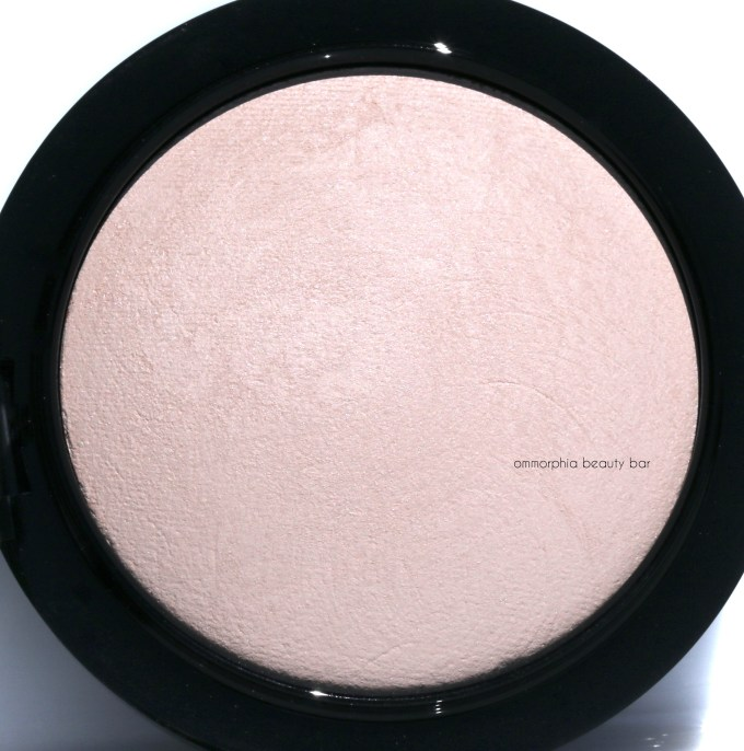 MAC Warm Rose Skinfinish macro 2