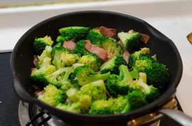 Broccoli Bacon Stir-Fry Process | Omnivore's Cookbook