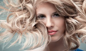CurlyBlonde