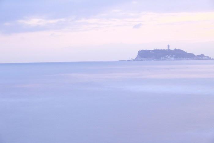 七里ケ浜からの江ノ島