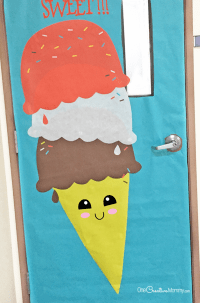 Easy Classroom Door Idea for Spring - onecreativemommy.com