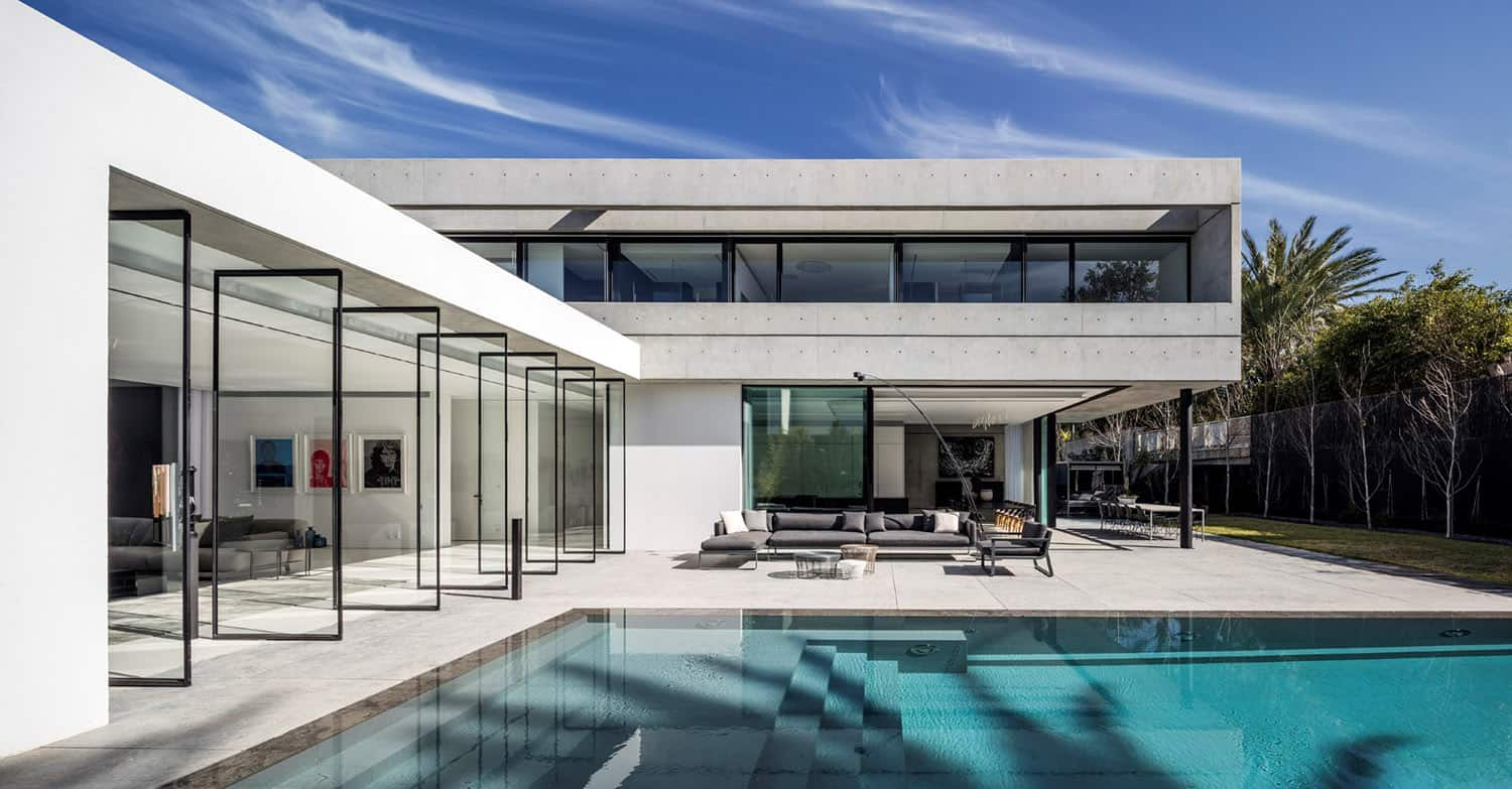 Modern Concrete House Spectacular Modern Concrete And Glass Dwelling In Israel