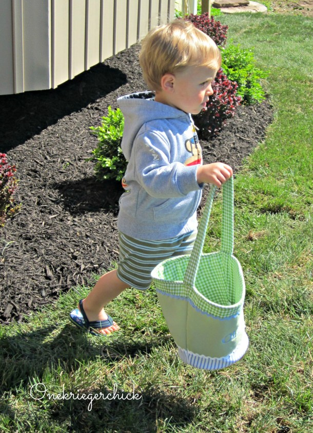 Easter Egg Hunting {Onekriegerchick.com}