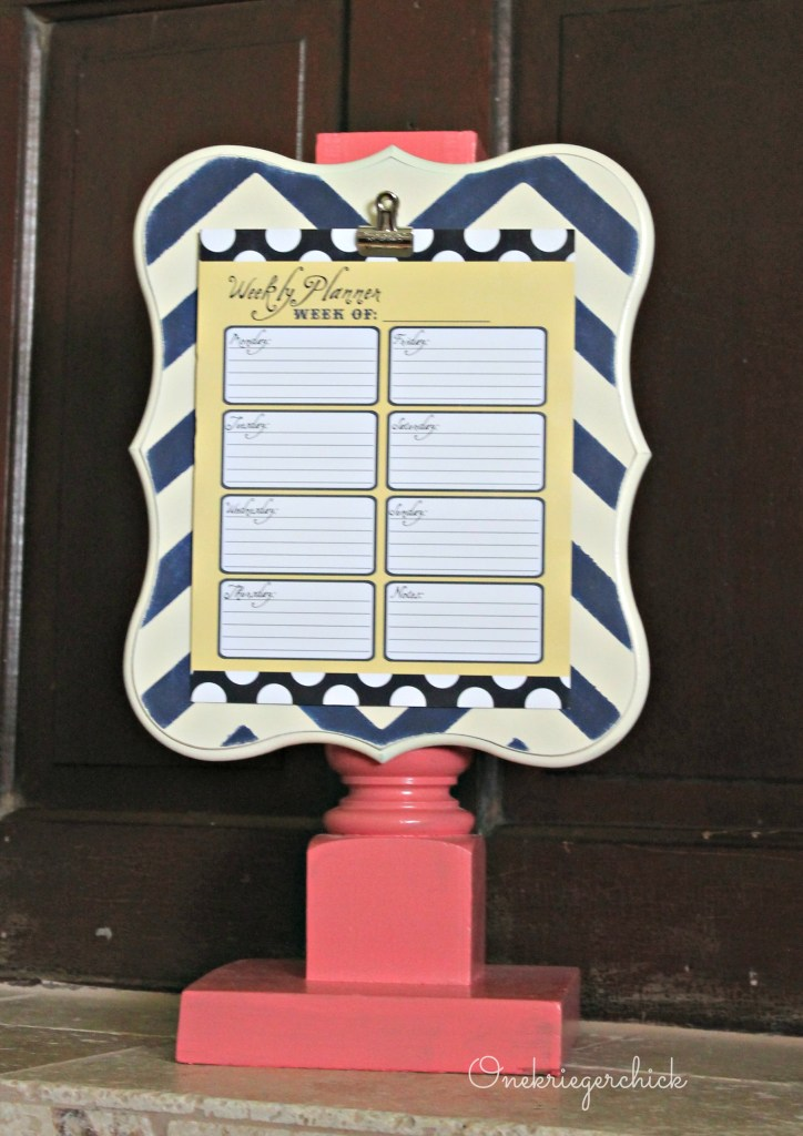 Pedestal clipboard I Poppy Seed Projects I Onekriegerchick.com