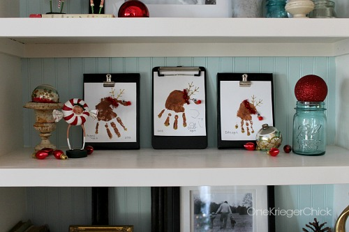 Interchangeable chalkboard clipboards- Love the Reindeer handprints!