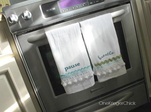 DIY No-Sew Word of the Year Kitchen towels