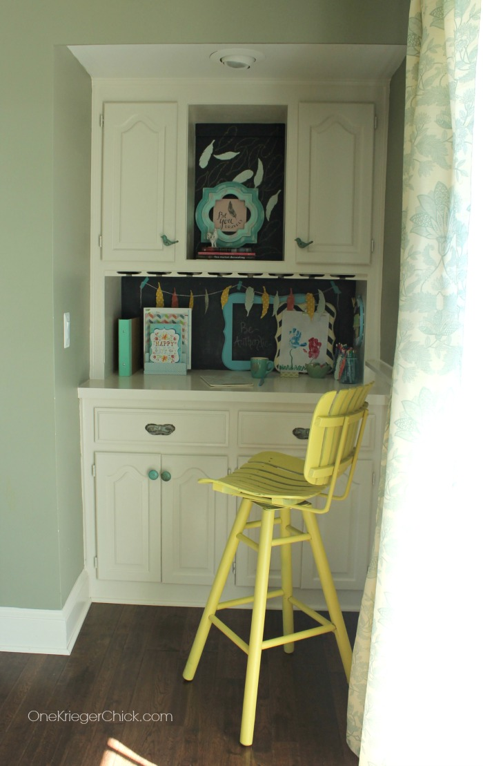 Creative use of space-Former dining room nook turned office space- OneKriegerChick.com