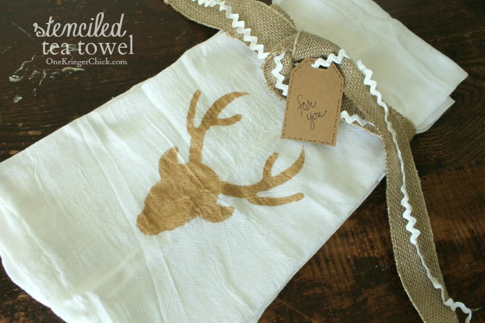 Stenciled-tea-towels- quick and easy hostess gift- OneKriegerChick.com