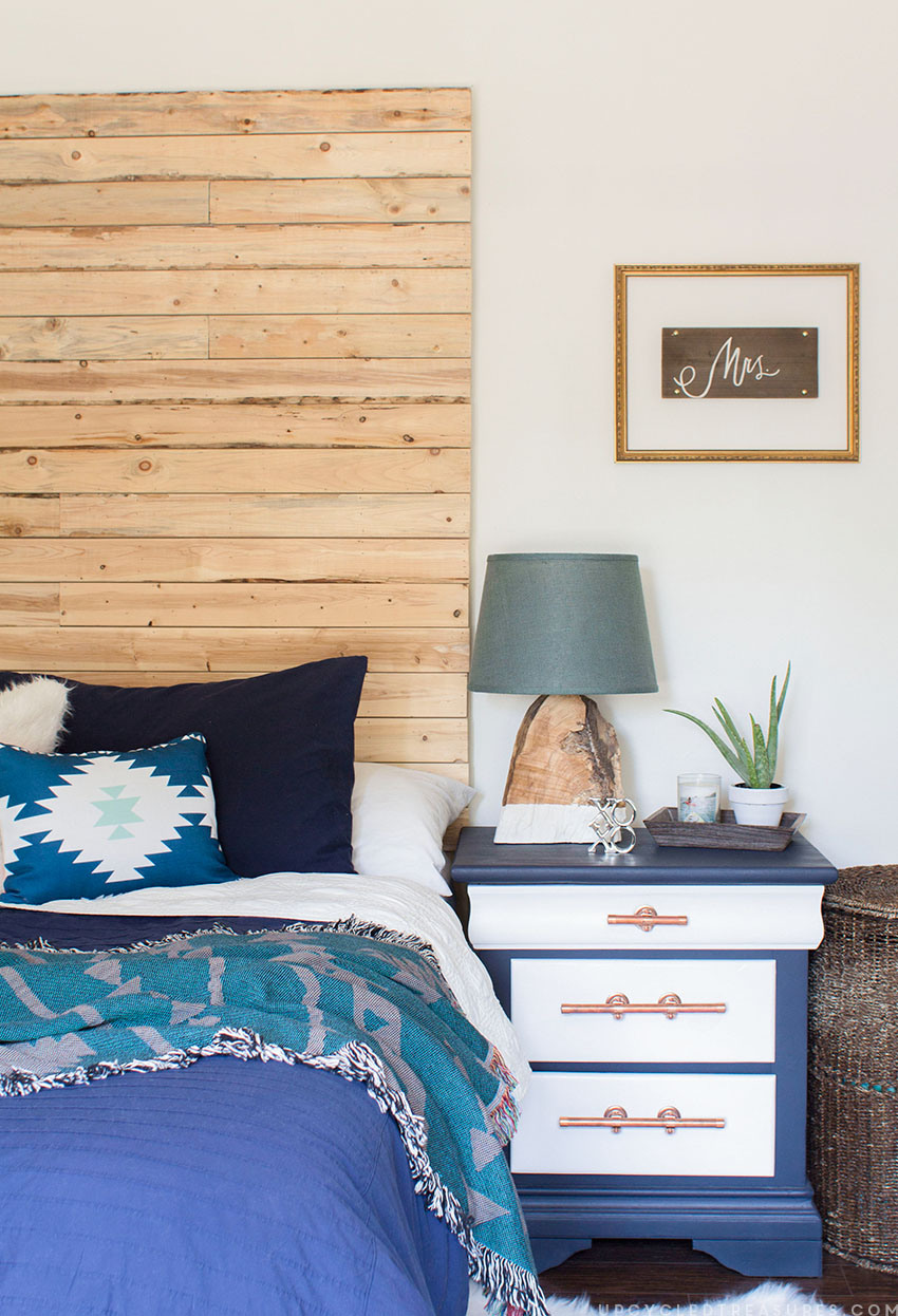 craigslist-makeover-navy-and-copper-pipe-nightstands-upcycledtreasures
