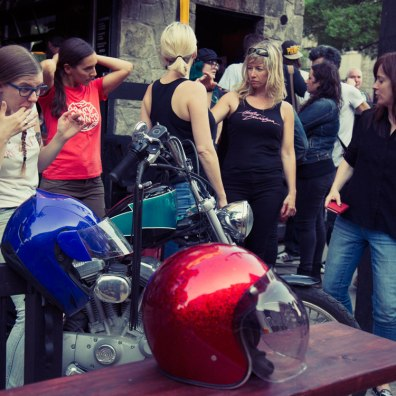 women of moto montreal oneland