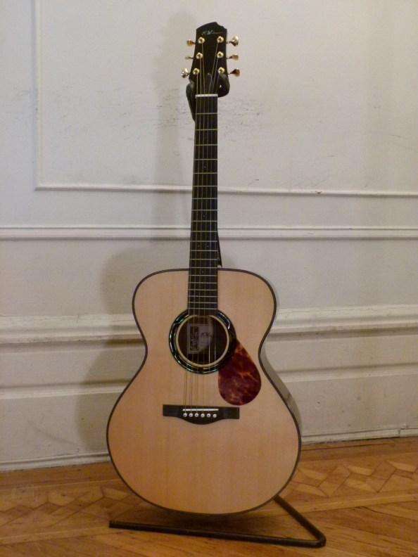Kathy Wingert Model F Custom - guitar review at onemanz.com