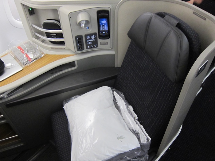 Review American First Class A321 Los Angeles To New York - One Mile