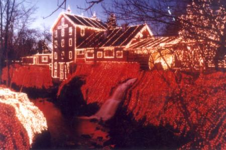 Over 3 million holiday lights at Clifton Mill