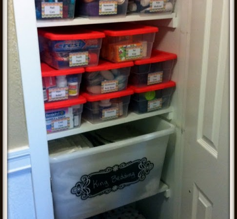 Organizing The Closet {printable labels}