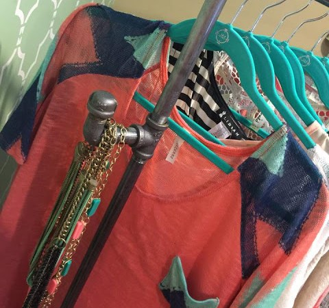DIY Clothing Rack { 30 minute project }