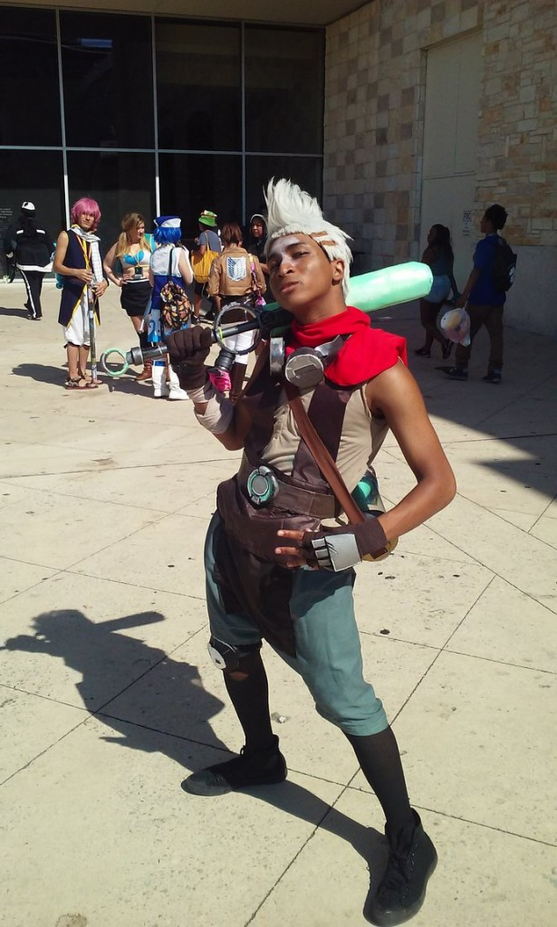 Ice Cream Girl Wallpaper 7 Awesome Looking Ekko Cosplays By Excellent Cosplayers