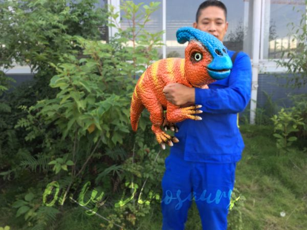 Life-Size-parasaurolophus-puppets-for-baby1-1
